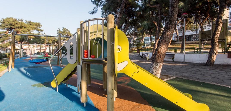 Νέες παιδικές χαρές-πρότυπο σε Πανόραμα και Πυλαία