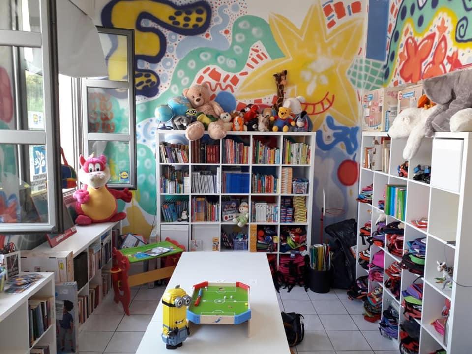 Δήμος Αθηναίων: Κοινωνικό βιβλιοχαρτοπωλείο και κατάστημα παιχνιδιών – Μπακογιάννης: Δίπλα σε κάθε οικογένεια