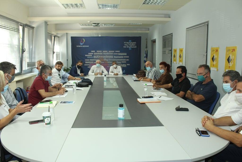 Θεσσαλία: Σύσκεψη ΕΛΓΑ – Περιφέρειας – Το σχέδιο για την καταβολή αποζημιώσεων στους παραγωγούς