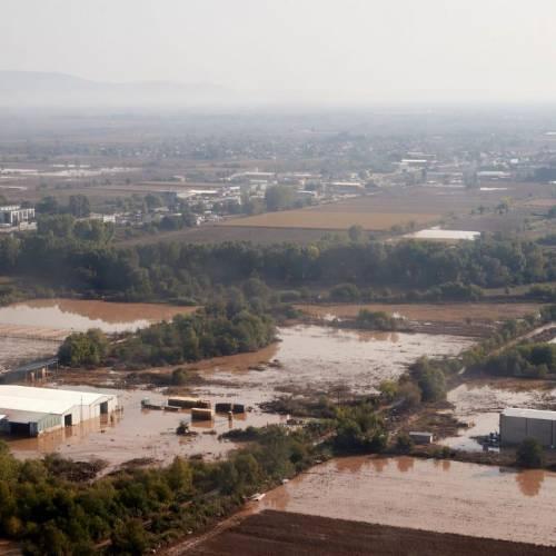 ΥΠΕΣ: Επιχορηγήσεις 37 εκατ. σε 20 δήμους και 3 περιφέρειες που επλήγησαν από τον «Ιανό»