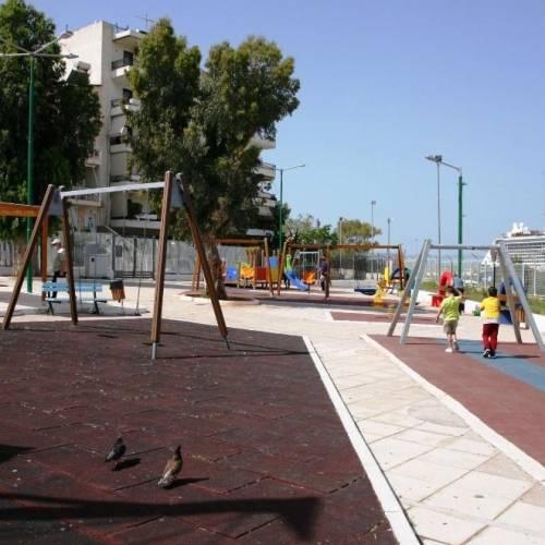 """Δήμος Πειραιά: Ανακαινίστηκαν 8 παιδικές χαρές με το πρόγραμμα """"Φιλόδημος ΙΙ"""" (pics)"""